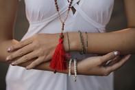 PURA SET - korál, kouřový křemen, rudraksha a pozlacené stříbro.