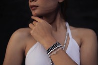 LAI bracelet - freshwater pearl, crystal and silver.
