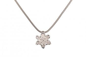 MANI PADMA - stříbrný náhrdelník s malým lotosem, řetízek 42 cm