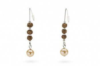BHOGA - Silver earrings, Rudraksha seed, freshwater pearl