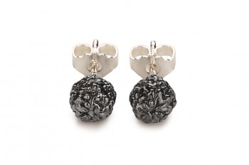 KIRTI - Silver earrings, black patina