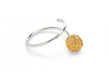 KAMA - Stříbrný prsten, pozlacená Rudraksha