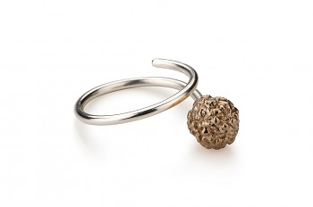 KAMA - Silver ring, rose gold plated Rudraksha