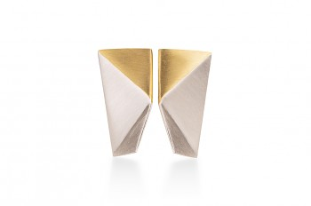 NOSHI MINI Earrings - stříbrné náušnice s pozlaceným trojúhelníkem