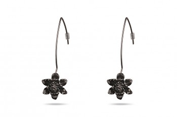 MANI PADMA - Silver earrings black rhodium plated, small lotus