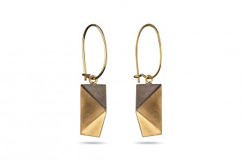 NOSHI Hanging Earrings - gold plated silver with black triangle