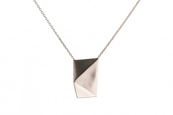NOSHI Necklace - silver with black triangle, long