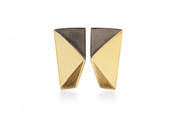 NOSHI MINI Earrings - gold plated with black triangle